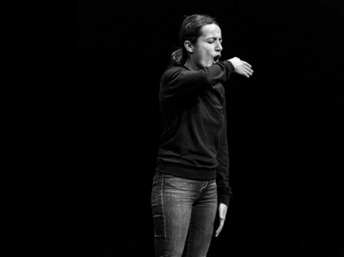 3. Enlloc d'actuar fabulo (En lugar de actuar fabulo), 2012. Performance en el teatro Villarroel, 2012